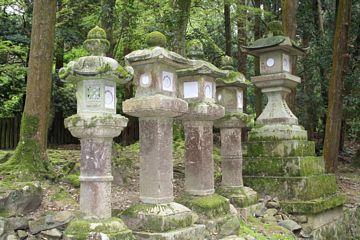 Nara Kasuga Schrein Steinlaterne