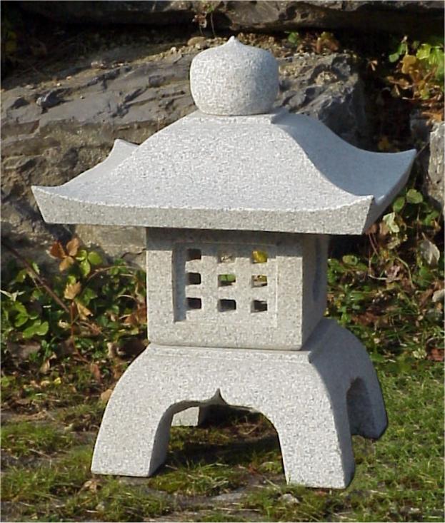 introduction lanterne en pierre japonaises et chinoises. Black Bedroom Furniture Sets. Home Design Ideas