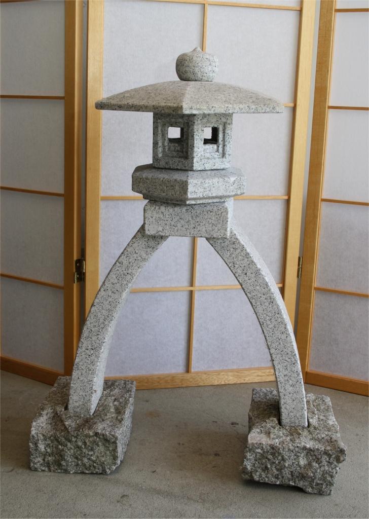 Kotoji Lanterne en pierre